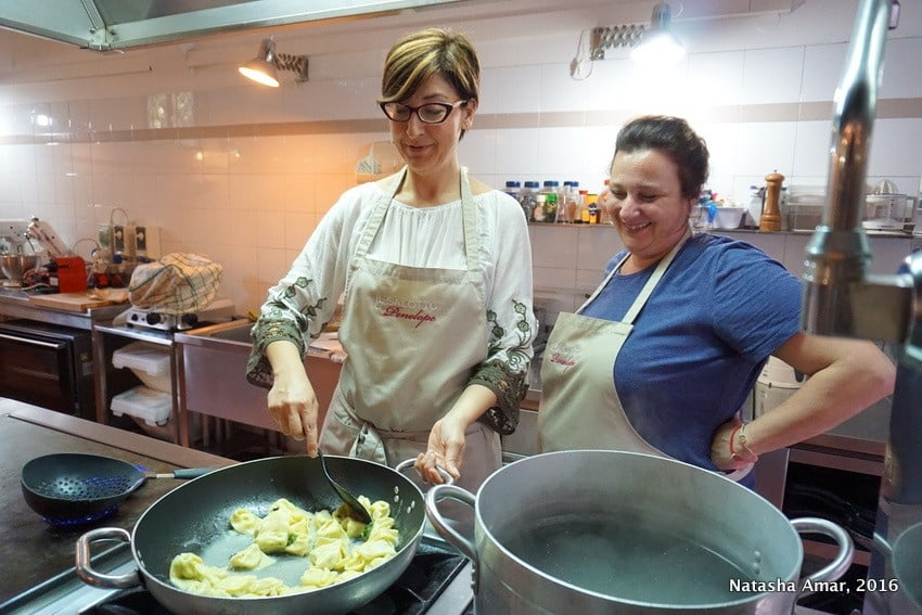 Love Italian food? Take a cooking class in Italy where you'll learn to prepare classic pasta dishes and taste as well. This is a bucketlist worthy experience for foodies traveling to Italy. #Italytravel #Italycookingclass