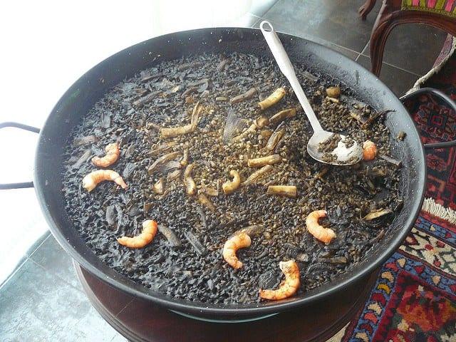Foods to try in Barcelona: Arroz negro
