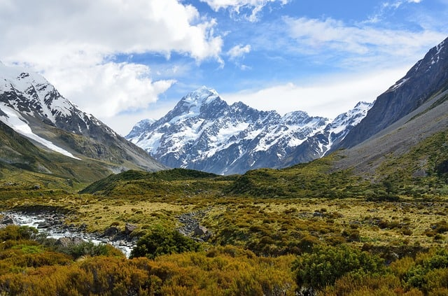 Thinking about backpacking in New Zealand? Use these travel tips to help you visit this incredible country on a budget, from how to stay on a budget, where to go and how to get around.