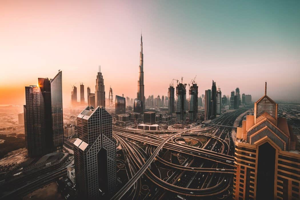 Whether it's hotel apartments, budget hotels or luxury hotels in Dubai near the beach, Burj Khalifa, Dubai Marina, or Palm Jumeirah, use this guide to Dubai accommodation to know where to stay in Dubai.