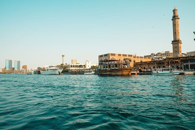 The best time to visit Dubai for sightseeing, outdoor adventures, shopping, honeymoons, families, desert safari & cheap hotels, also broken down my month.