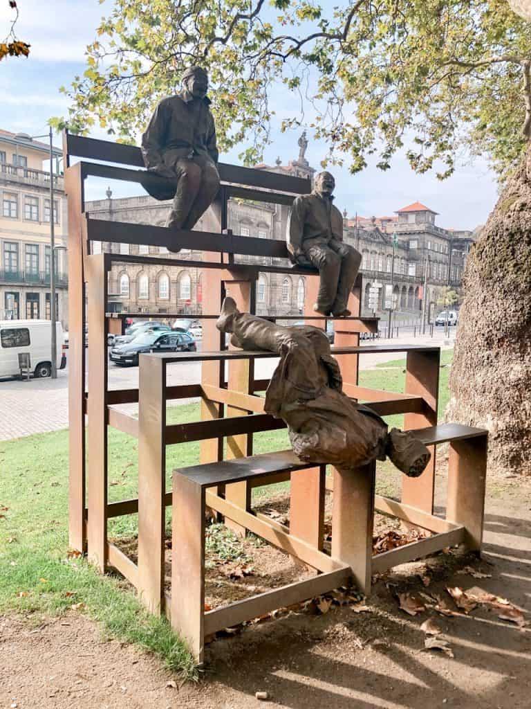 13 Laughing Men in Porto