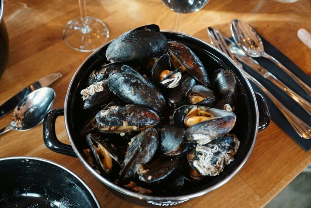 Freshly cooked mussels in a big dish